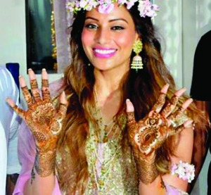 Bipasha Basu`s mehendi night