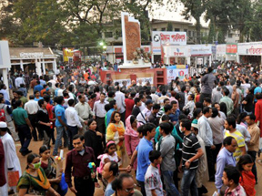 Visitors throng book fair with spirit of Amar Ekushey