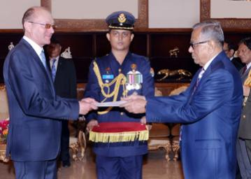President for continued dev of professionalism of armed forces
