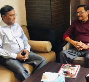 Hasan visits ailing Quader in Singapore