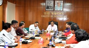 Hasan urges media to project development events