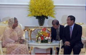 Hun Sen addresses PM as 'sister'