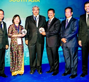 Bank Asia wins IFC award
