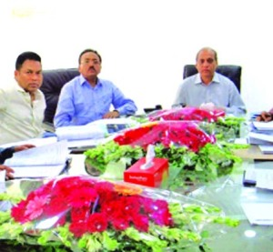 Md. Anowar Hossain, Chairman, Board of Directors of Islami Commercial Insurance Company Limited, presiding over its 62nd meeting at its head office in the city recently. Niaz Ahmed, Claims Committee Chairman, M Kamaluddin Chowdhury, Mohammad Yahya, Directors and Mir Nazim Uddin Ahmed, CEO of the company among others were also present