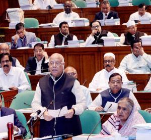 Muhith unveils Tk 4,64,573cr budget for FY19 setting 7.8pc growth target