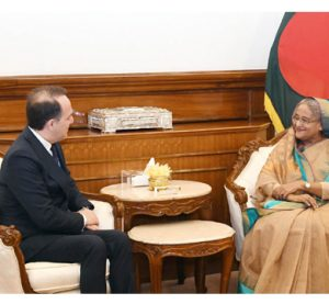 PM seeks Italy's cooperation in leather sector