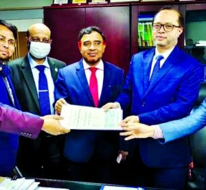 IBBL to invest housing finance for government officials: Finance Department of the Ministry of Finance and Islami Bank Bangladesh Limited signed a Memorandum of Understanding (MoU) recently for providing investment in building houses and flats for government officials. Md. Ekhlasur Rahman, Additional Secretary of Finance Ministry and Mohammed Monirul Moula, Managing Director and CEO of the bank signed the MoU on behalf of their respective organizations. After the signing ceremony, the agreement was handed over to the respective division of the bank. Along with Managing Director and CEO of the bank, Muhammad Qaisar Ali and Md. Omar Faruk Khan, Additional Managing Directors, Abu Reza Md. Yeahia, Deputy Managing Director, Muhammad Sayeed Ullah, Senior Executive Vice President and Mohd. Enayet Ullah Siddiquee, Executive Vice President of the bank were present at that time, said a press release.